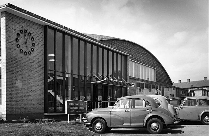 Britain S First Purpose Built Comprehensive School